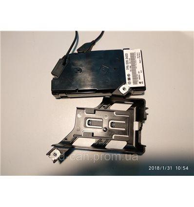 Блок MDI для USB на VW Touareg NF 7P6035342D